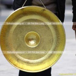 chiêng đồng vàng