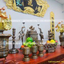 Ý nghĩa của đài thờ bằng đồng trong văn hóa thờ cúng tổ tiên