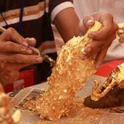 Tượng Phật có nên sơn son thếp vàng hay không?